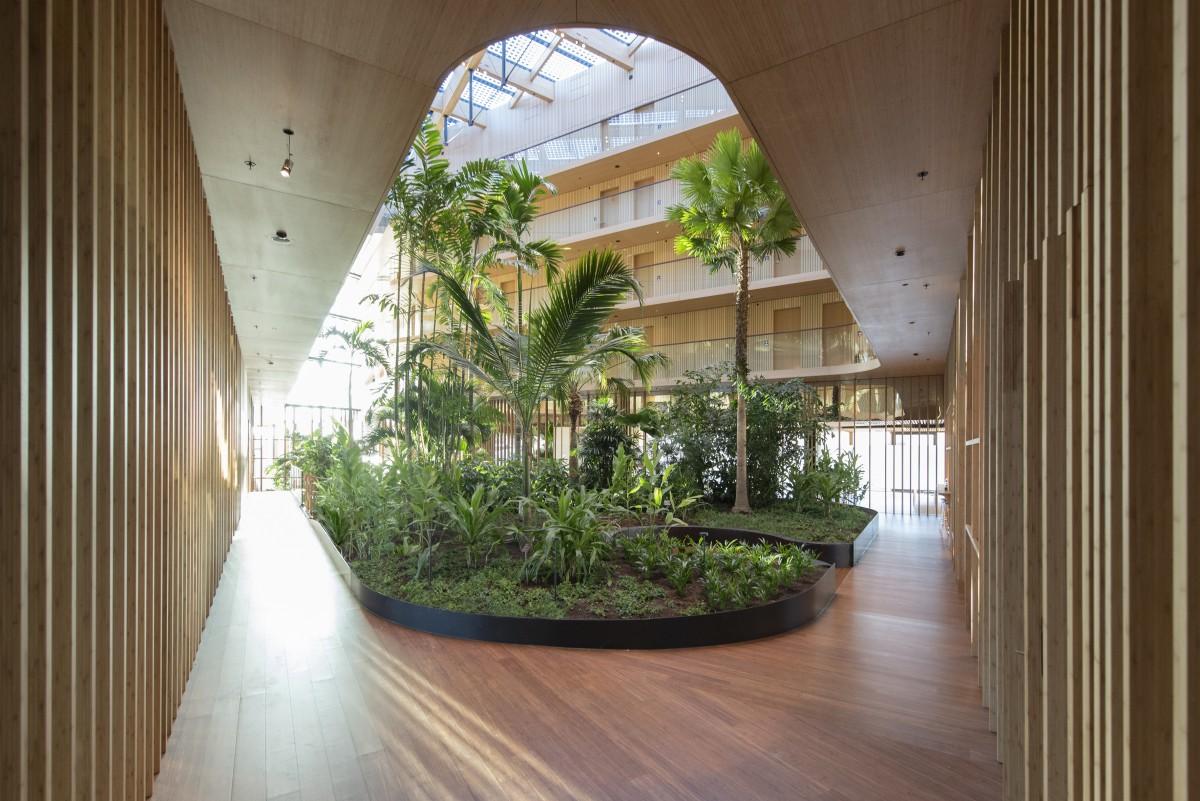 Interior Landscaping Hotel Jakarta Copijn from the ground